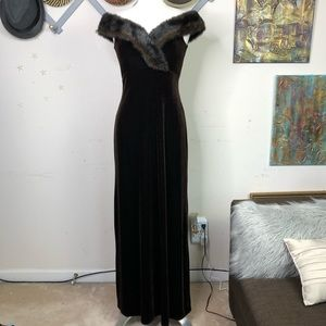Cachet vintage brown velvet Maxie dress